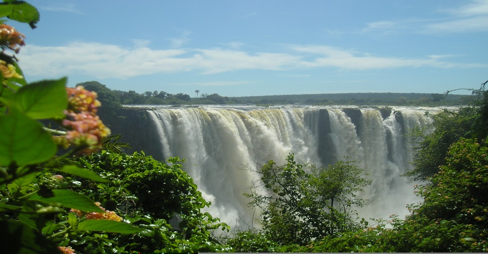 Victoria falls and Chobe Houseboat safari