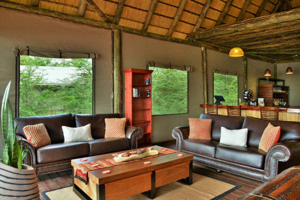 Jackalberry Chobe Lodge Lounge Area